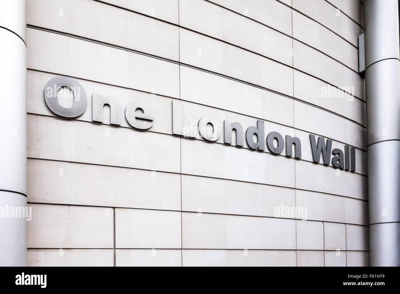 Segno esterno su una parete di Londra da Foster + Partner, città di Londra, Regno Unito Immagini Stock