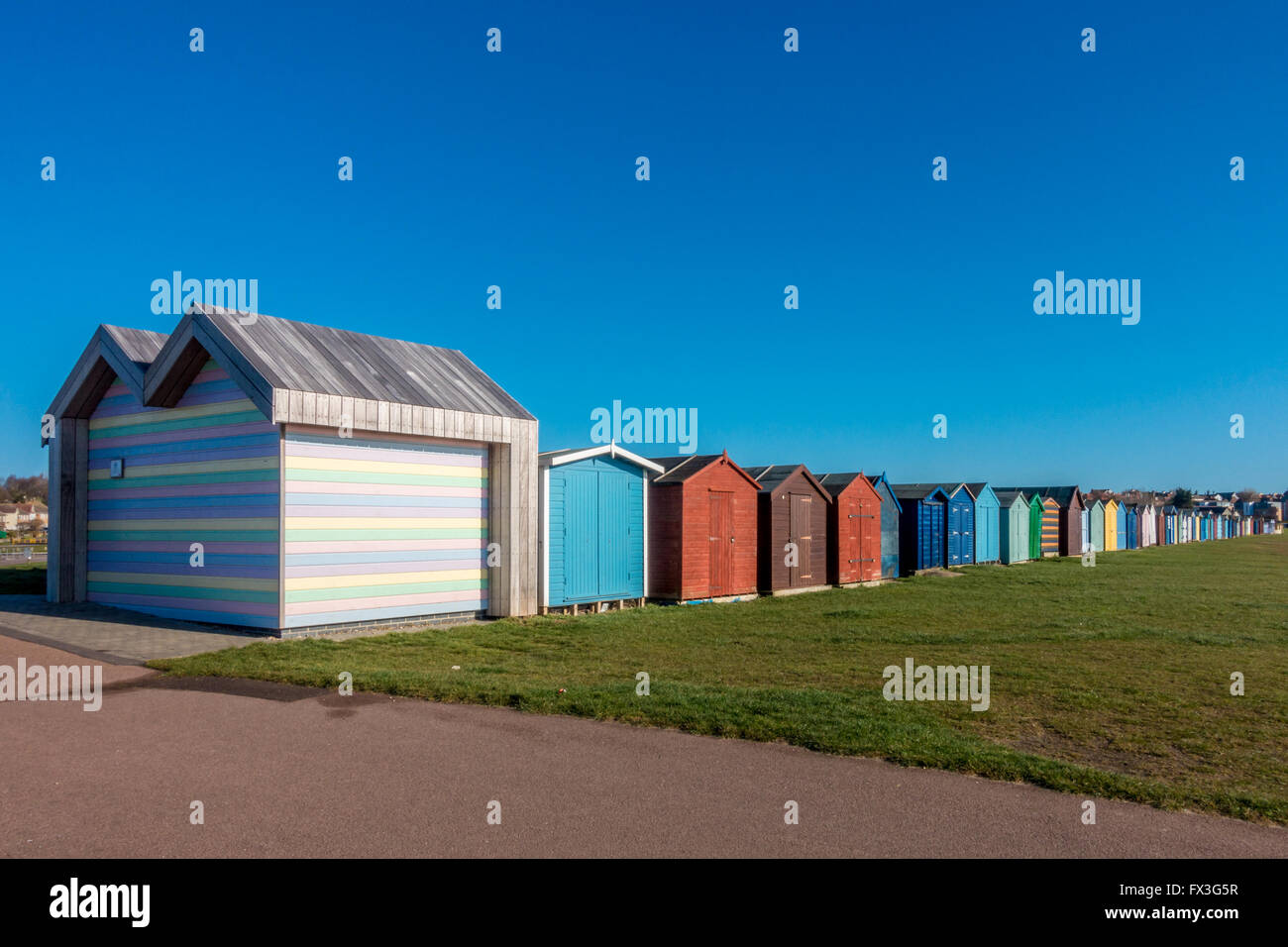 Accessibile lungomare: disabilità Beach Hut, Dovercourt Bay, Harwich, Essex, Regno Unito Immagini Stock