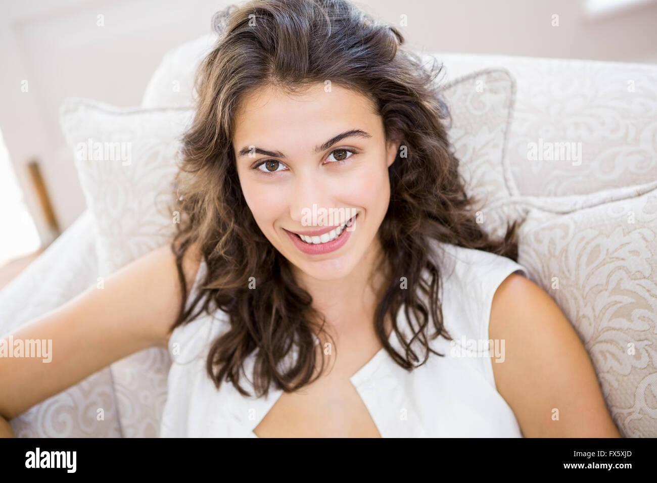 Ritratto di bella donna sorridente Immagini Stock