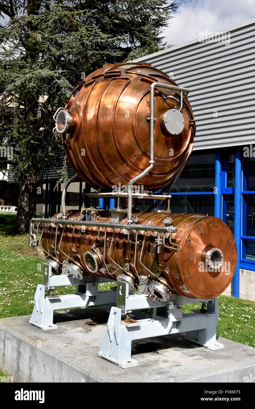Il CERN, l'Organizzazione europea per la ricerca nucleare, storico frequenza radio cavità utilizzato per Immagini Stock