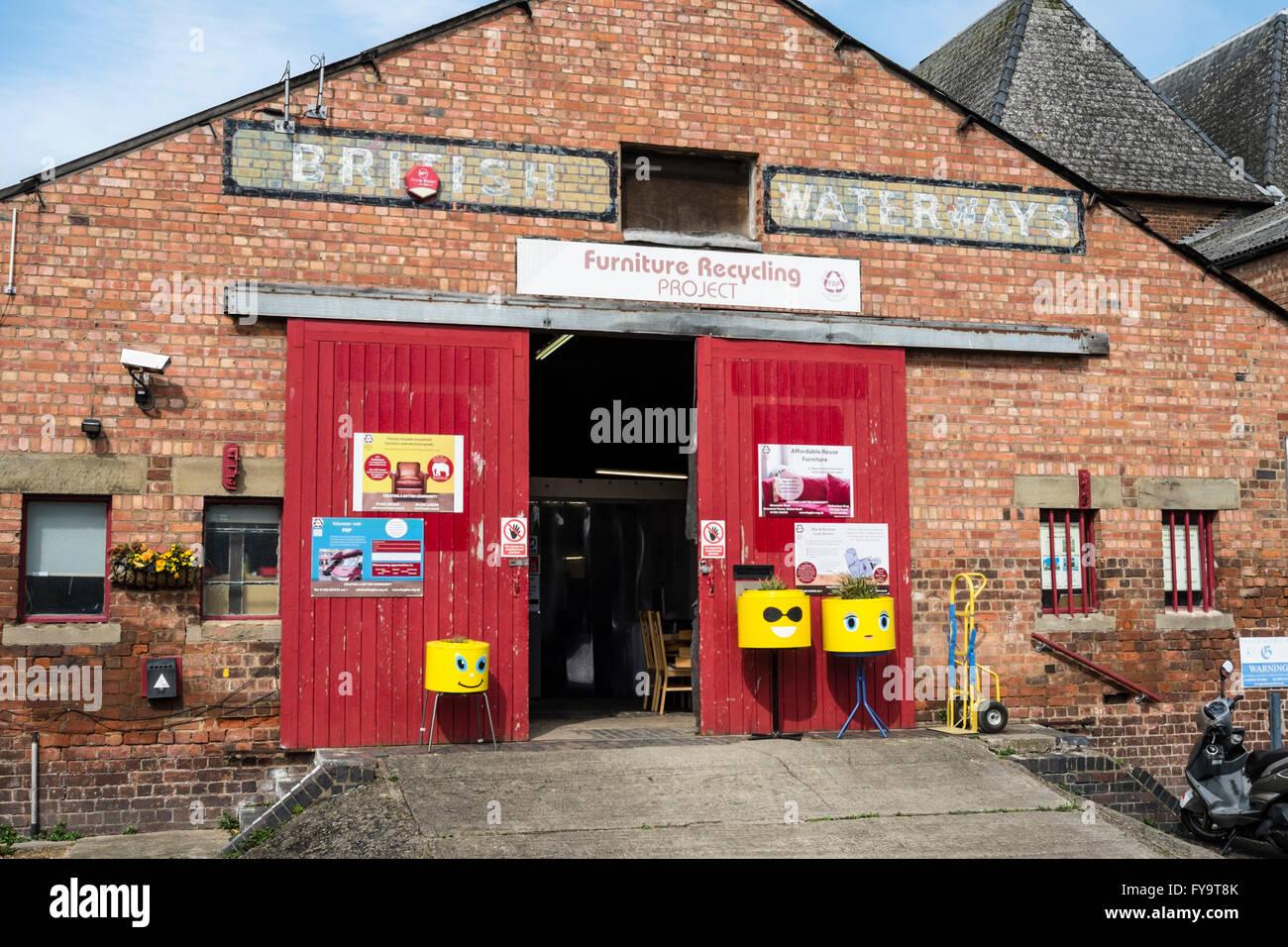 Storico di Gloucester docks Gloucestershire England Regno Unito mobili di riciclaggio progetto Immagini Stock