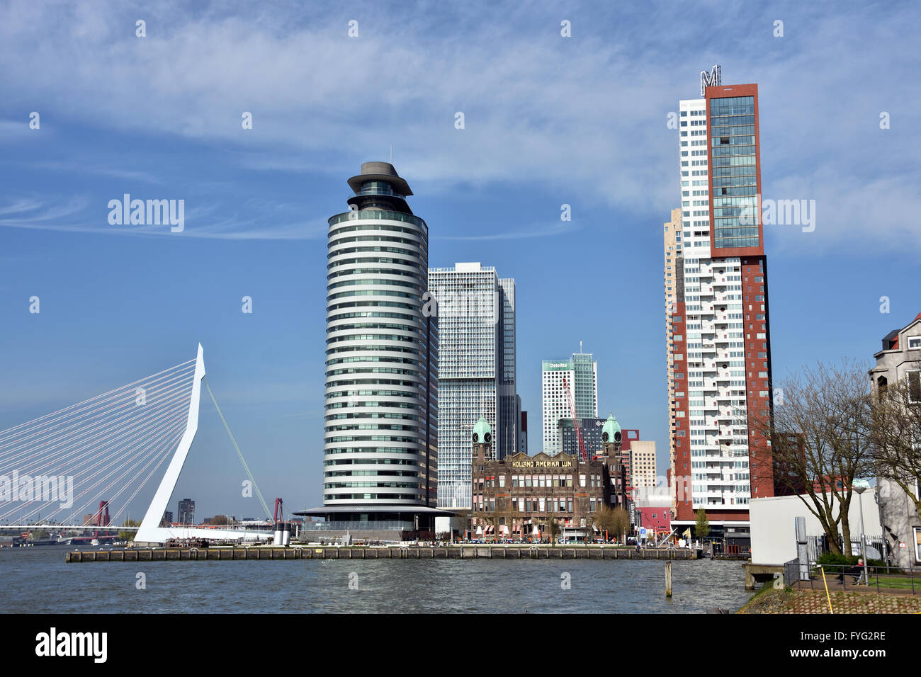 World Port Center ( Kop van Zuid ) Montevideo hotel New York Rotterdam Paesi Bassi olandese ( Nuova Maas Fiume Ponte Immagini Stock