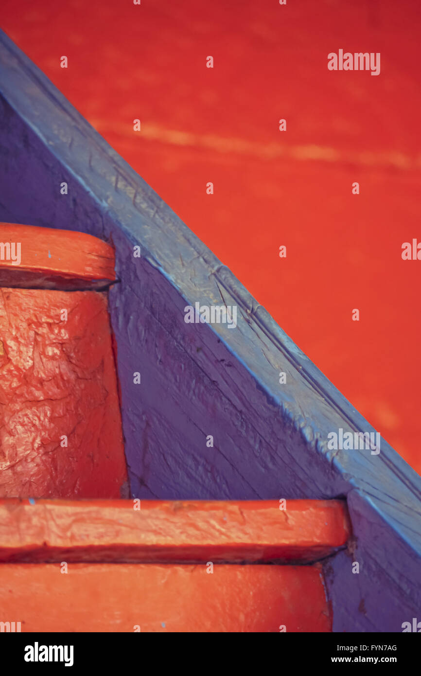Scale in legno con colori brillanti Immagini Stock