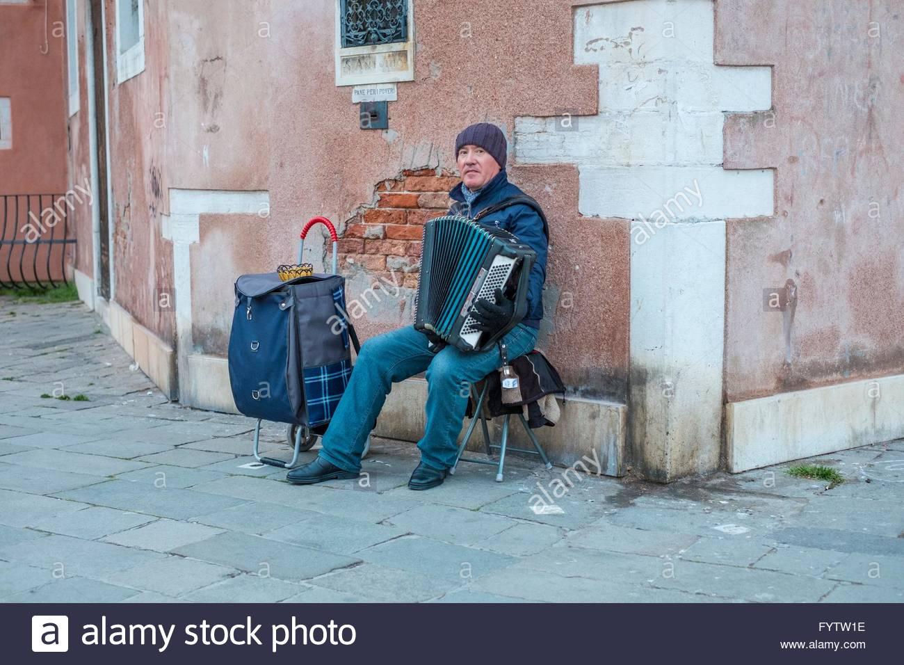 Musicista di strada, Venezia Italia. Immagini Stock
