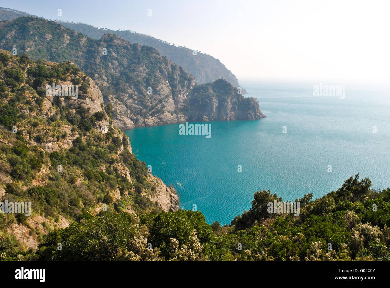 Paesaggio panoramico da una via attraverso il promontorio di Portofino Immagini Stock
