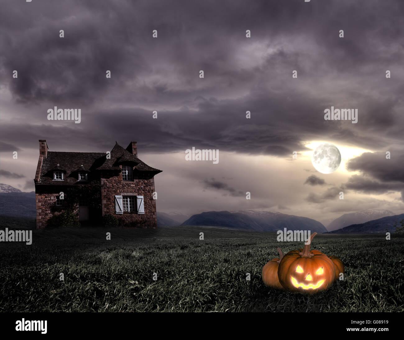 Apocalittico scenario di Halloween con la vecchia casa e zucca Immagini Stock