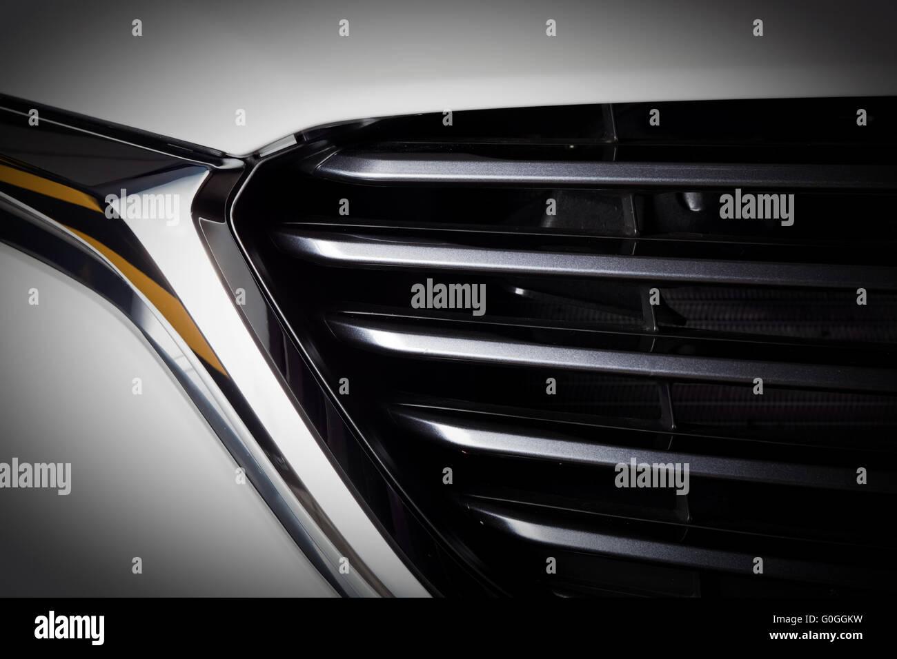 Moderne auto di lusso di close-up di griglia. Costoso, sport auto dettagliato Immagini Stock