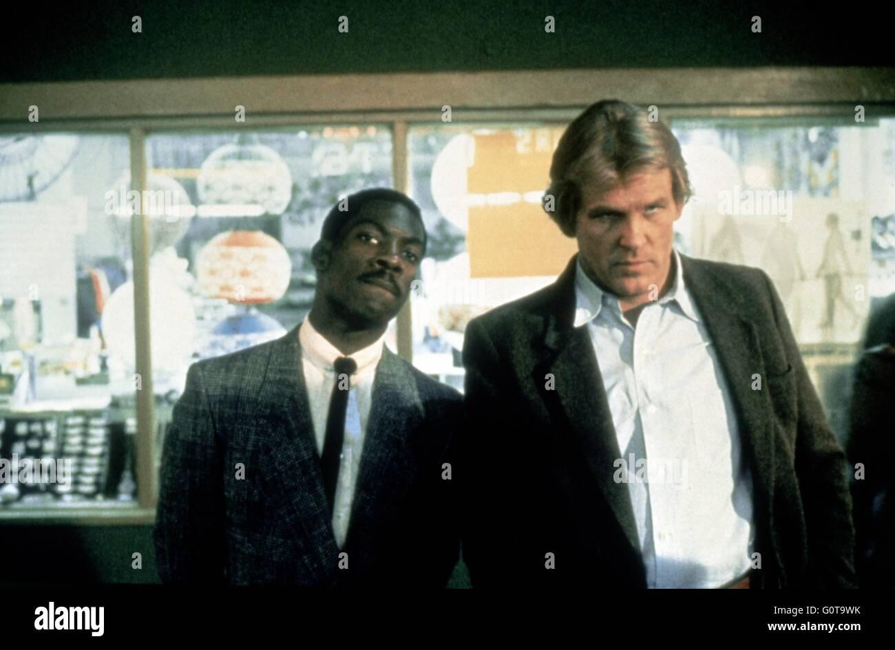 Nick Nolte e Eddie Murphy / 48 ore / 1982 diretto da Walter Hill (Paramount Pictures - Lawrence Gordon Productions) Immagini Stock