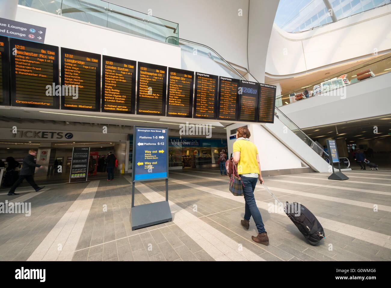 Nuova via stazione ferroviaria, Birmingham, Regno Unito. Immagini Stock