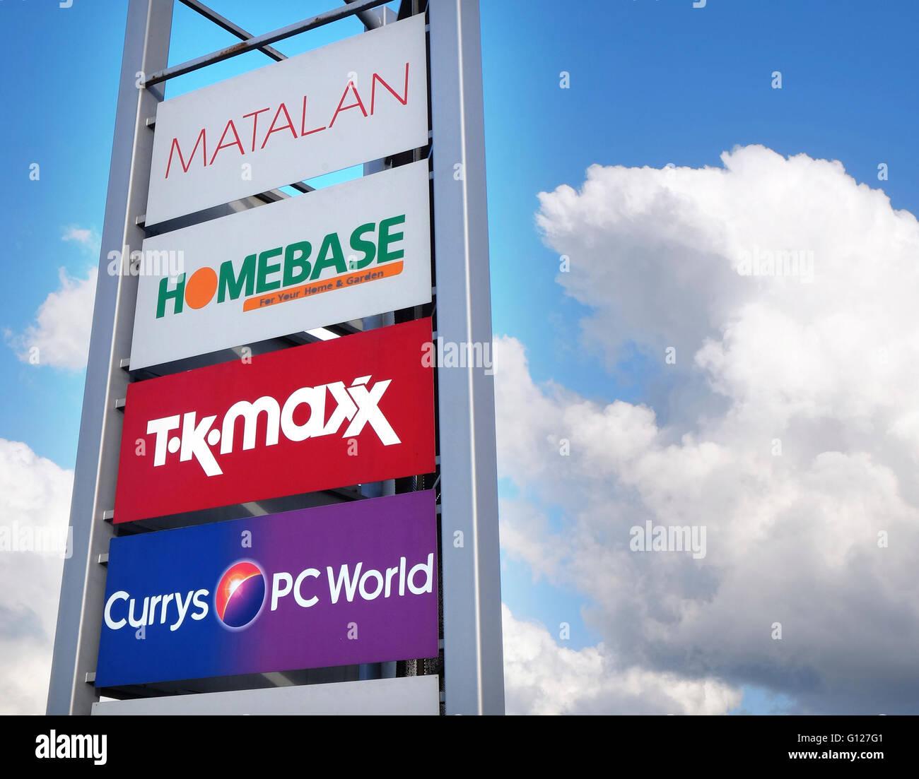 Retail Park pubblicità, Grantham, Lincolnshire, England, Regno Unito Immagini Stock