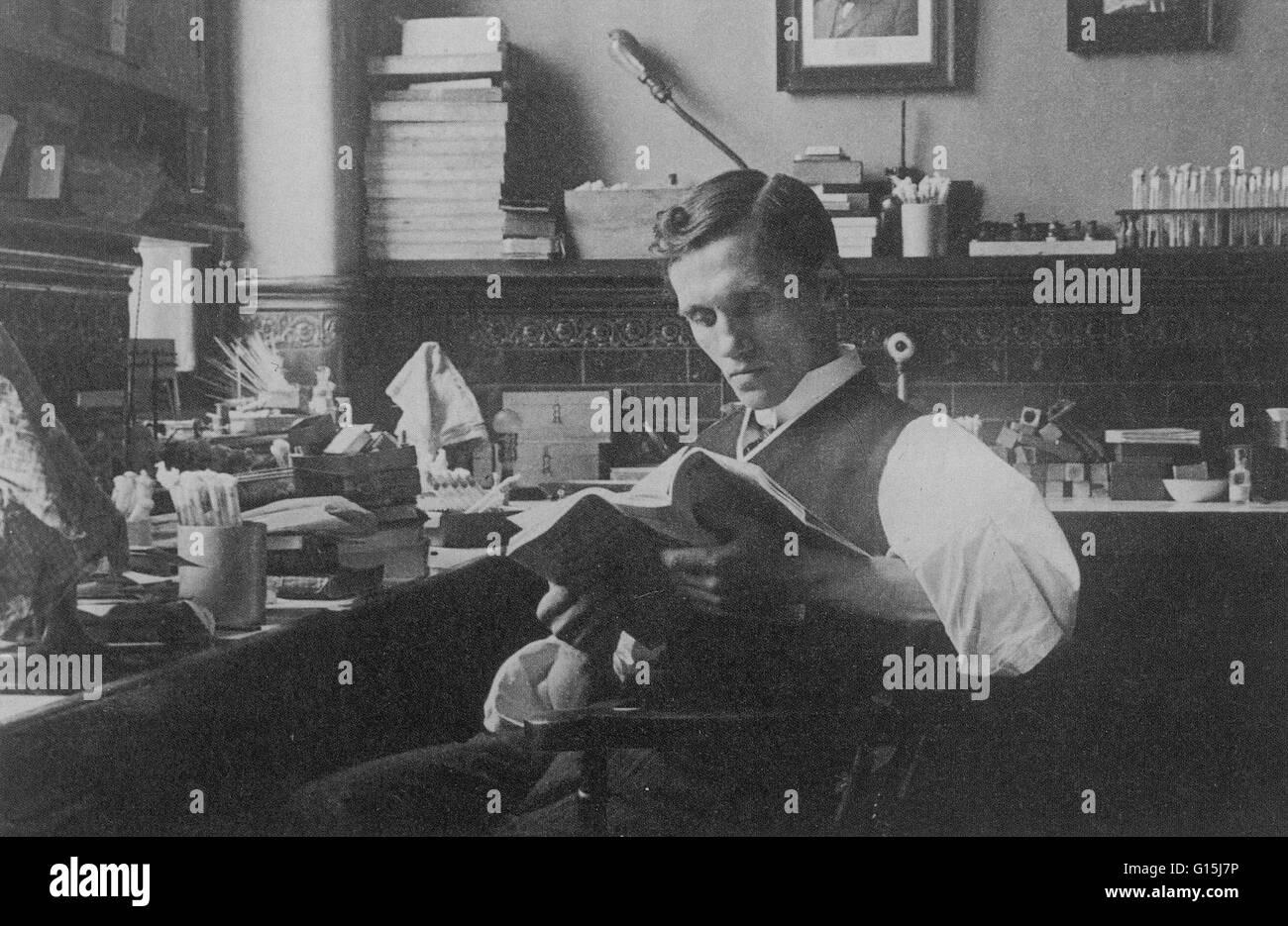 Alexander Fleming (1881-1955) fu un biologo scozzese e farmacologo. Ha scritto molti articoli su batteriologia, Foto Stock