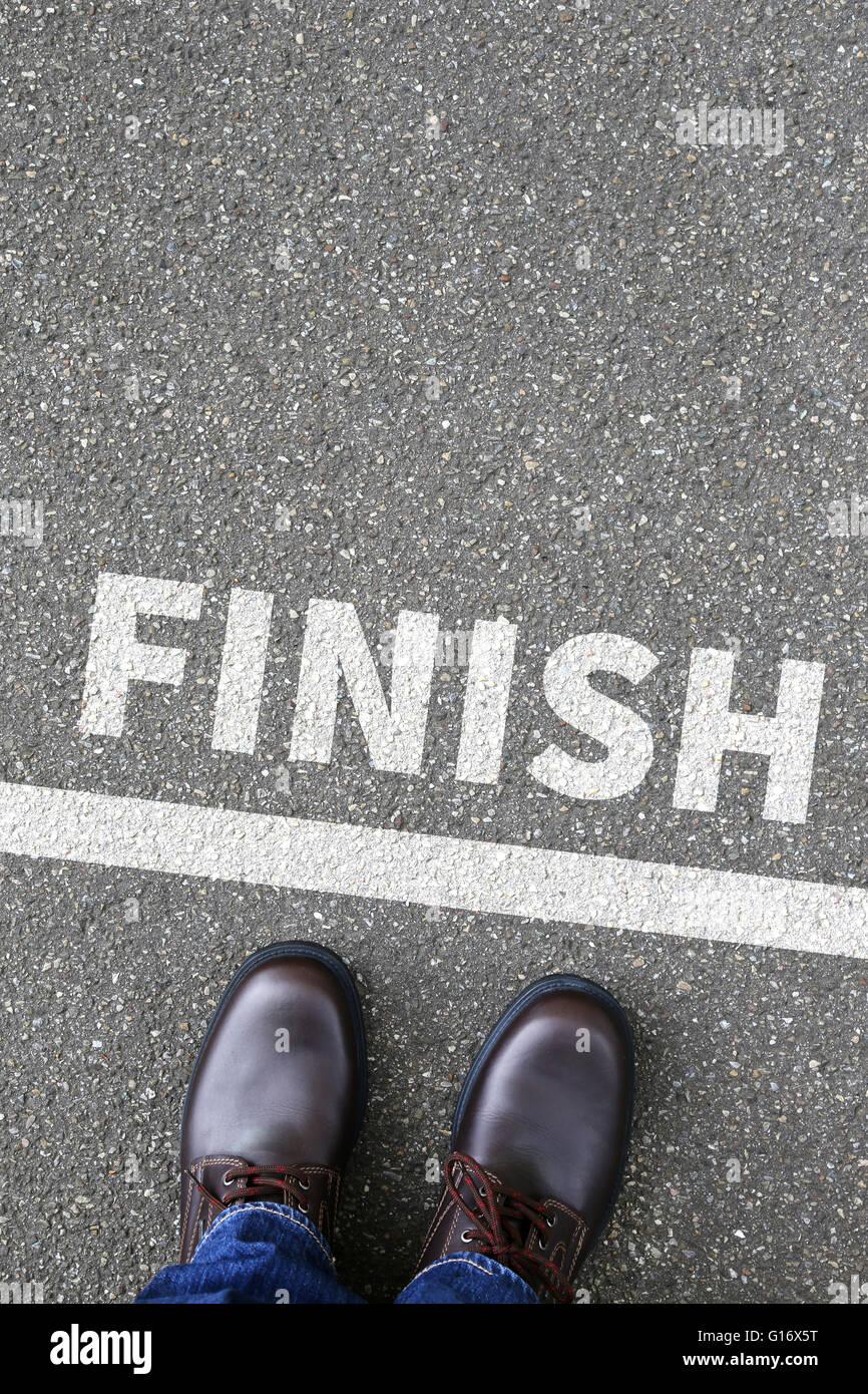 Traguardo successo vincendo gara di corsa la concezione di business gli obiettivi di carriera motivazione vision Immagini Stock