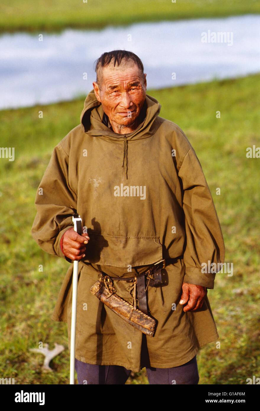 CHUKCHI MASCHIO HERDER, AMGUEMA, Regione di Magadan, Federazione russa; ex URSS UNIONE SOVIETICA Immagini Stock