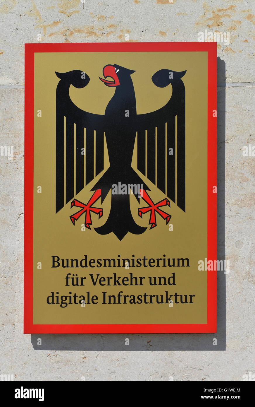 Tafel, Bundesministerium fuer Verkehr und Infrastruktur digitale, Invalidenstrasse, nel quartiere Mitte di Berlino, Immagini Stock