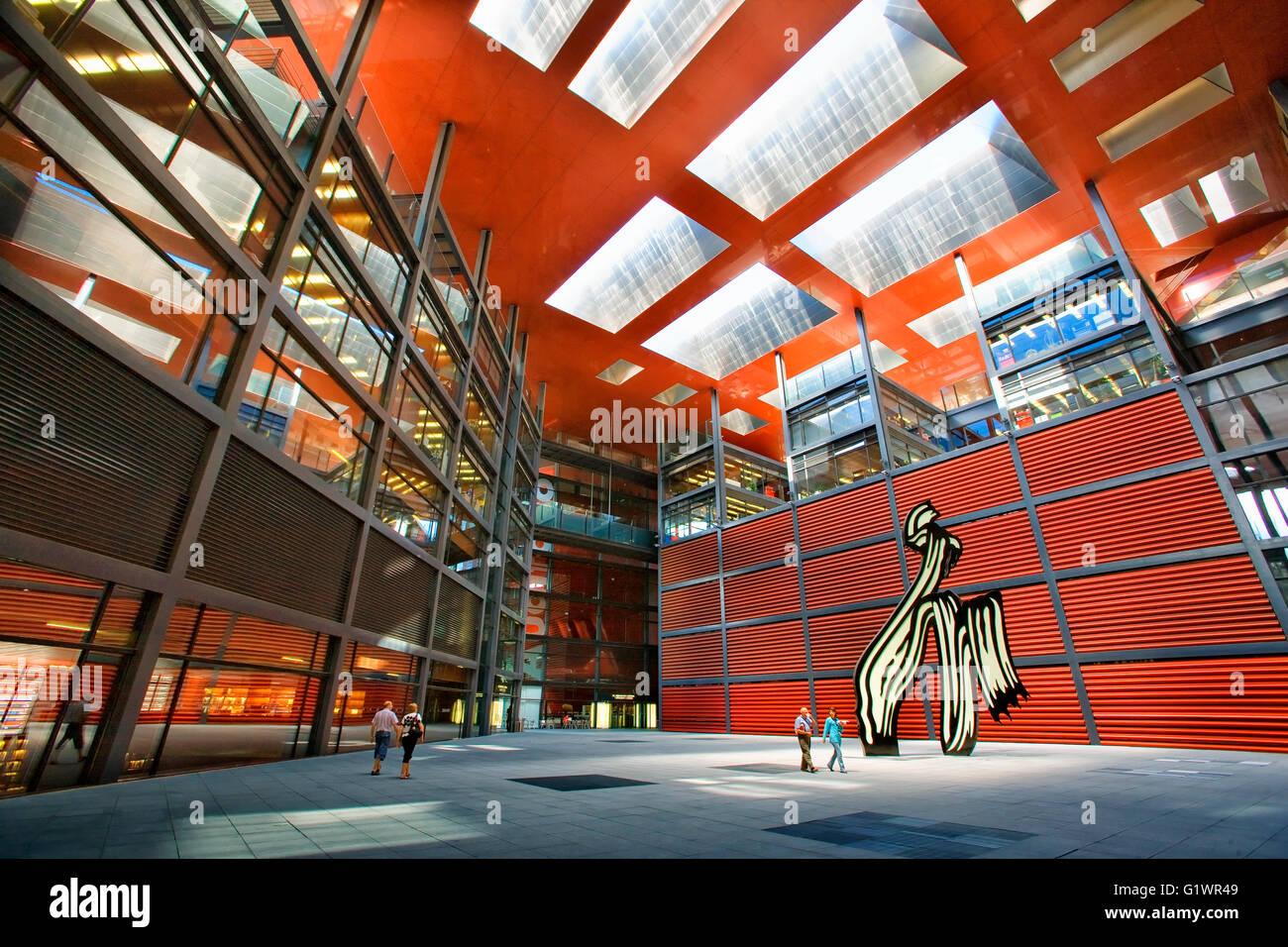 Il Centro de Arte Reina Sofia di Madrid da Jean Nouvel Immagini Stock