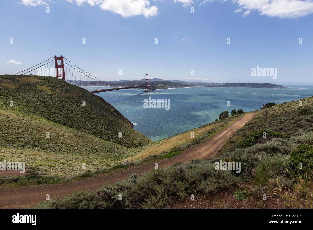 Vista del Ponte Golden Gate e la baia di San Francisco da Promontori Marin in Golden Gate National Recreation Area. Immagini Stock