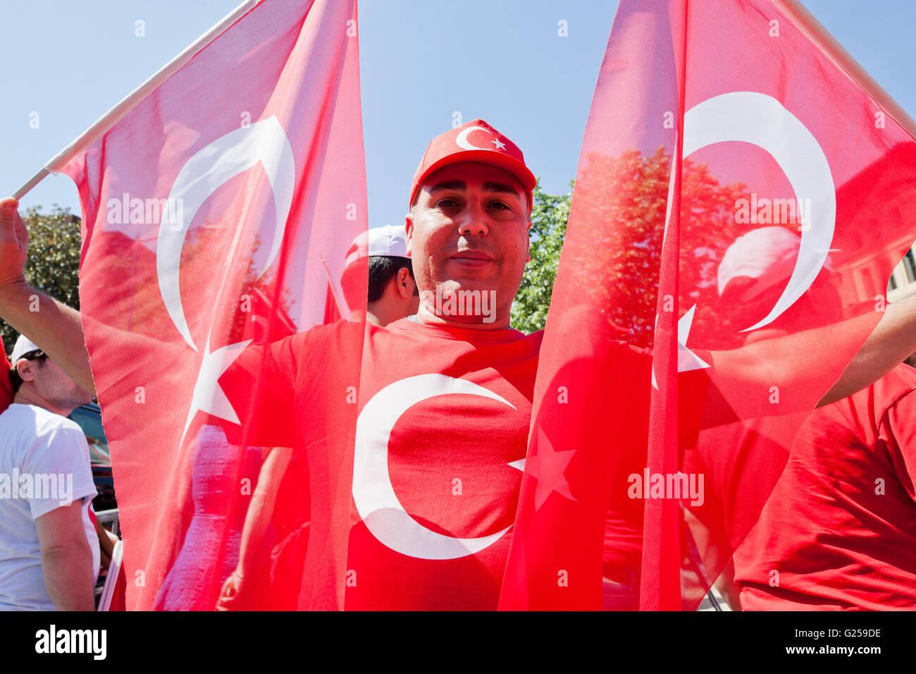 """Turkish-Americans partecipare a """"La pace e la solidarietà a piedi' - Washington DC, Stati Uniti d'America Immagini Stock"""