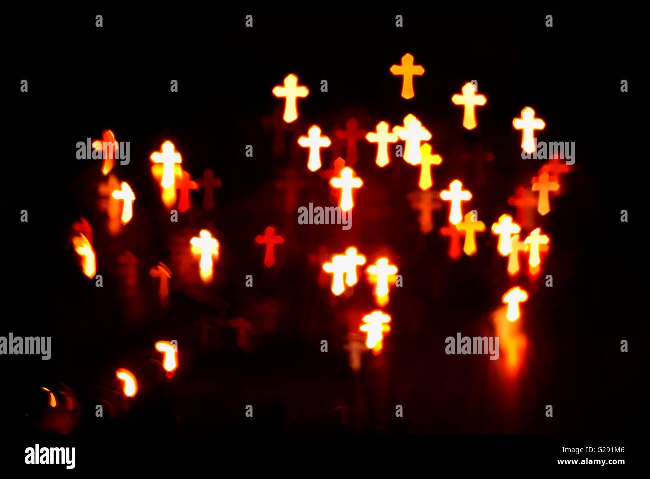 La fede cristiana attraversa abstract blur sullo sfondo Immagini Stock