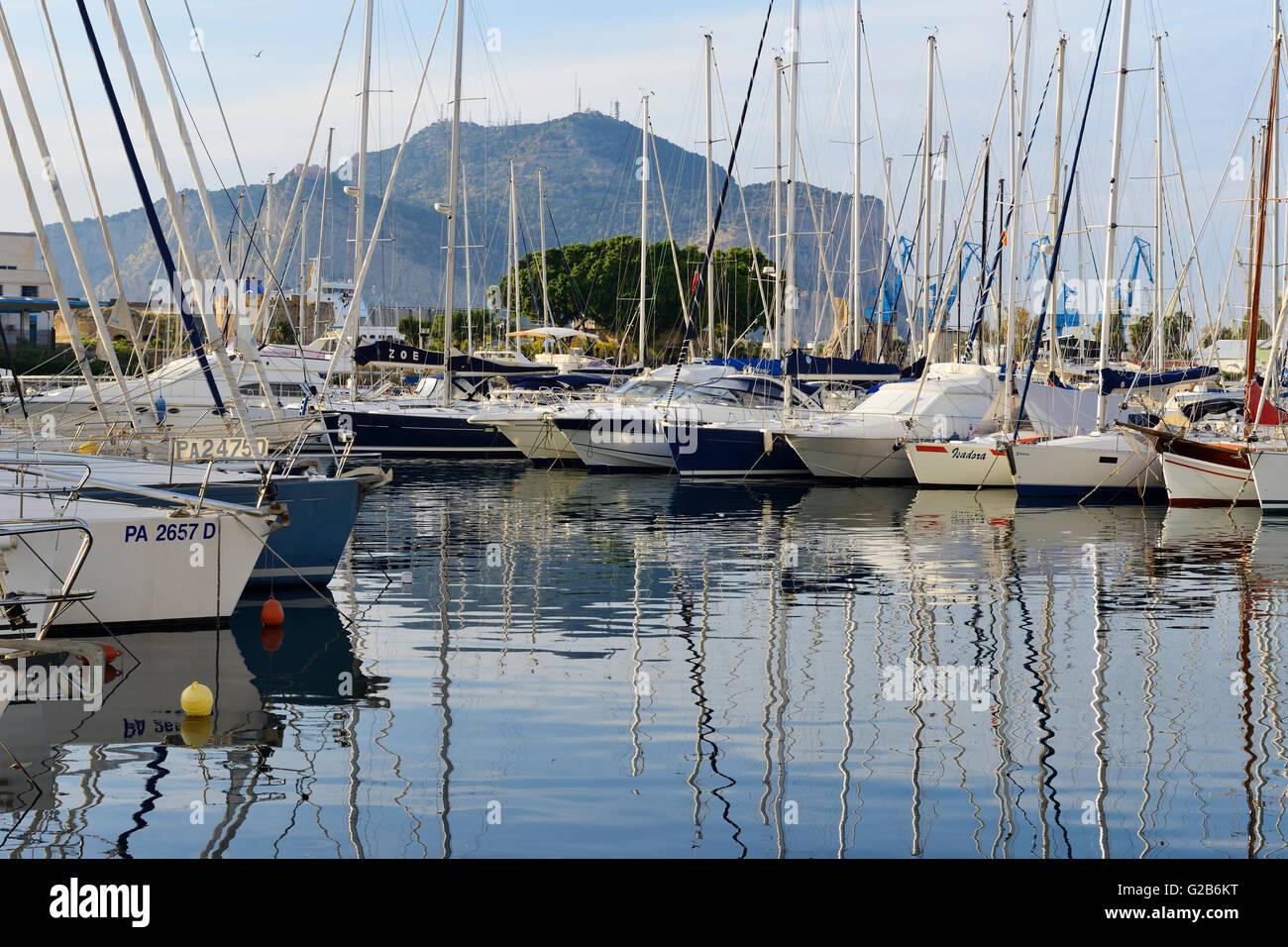 Yacht Marina a Palermo, Sicilia, Italia Immagini Stock