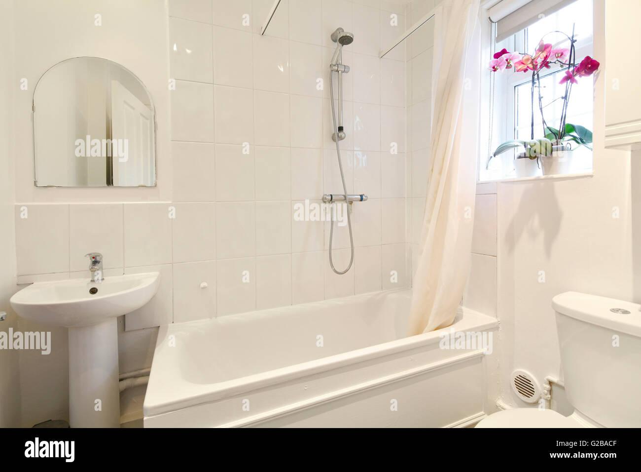 Creighton house a nord di londra moderno bagno bianco con i