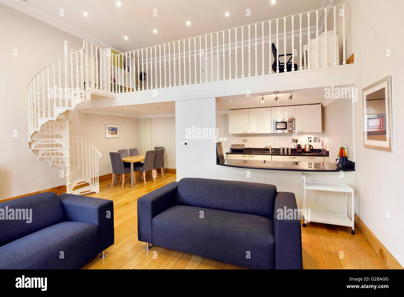 Inverness Terrace. Aprire il piano sala da pranzo e soggiorno. Scala ...