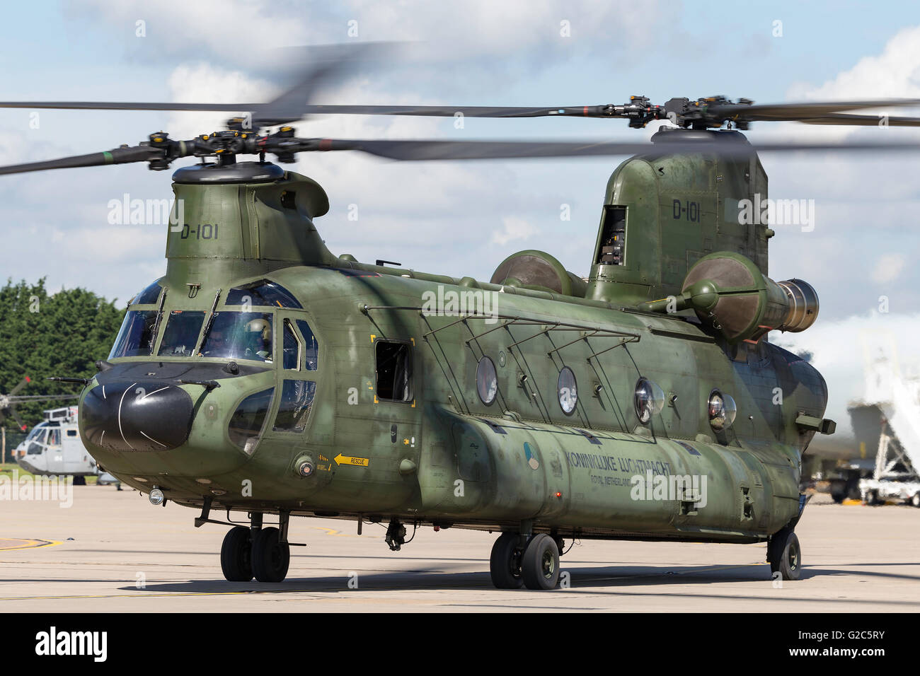 Elicottero Ch : Royal netherlands air force boeing ch d chinook trasporto