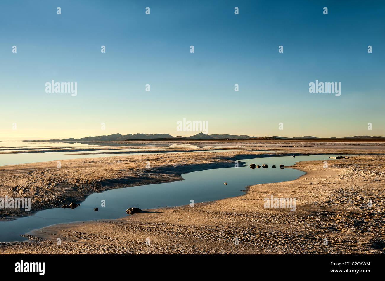 Salt Lake - Salar de Uyuni in Bolivia Immagini Stock