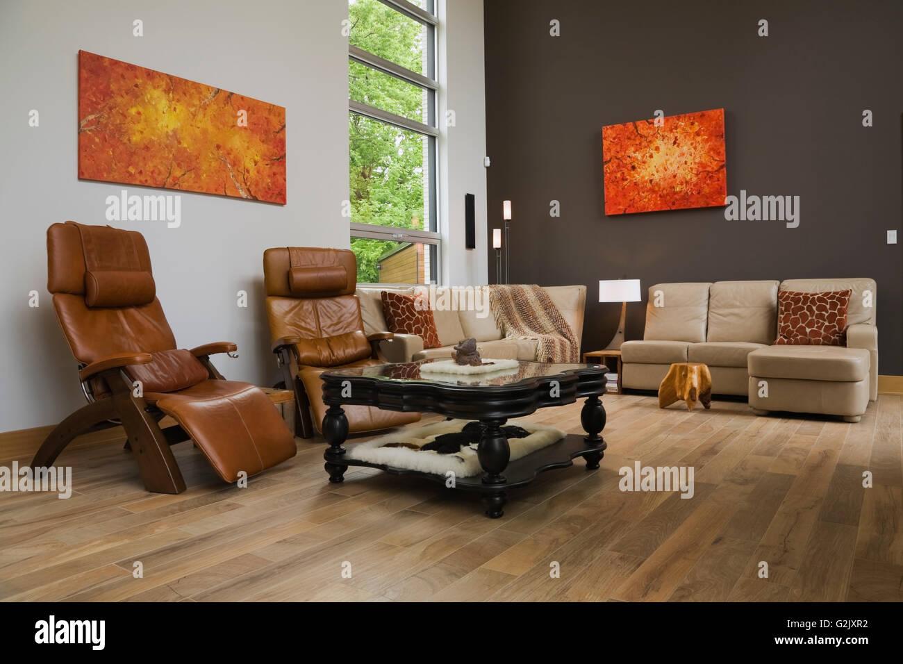 Sedie Schienale Alto Legno : In pelle marrone a schienale alto sedie divani beige nero tavolo
