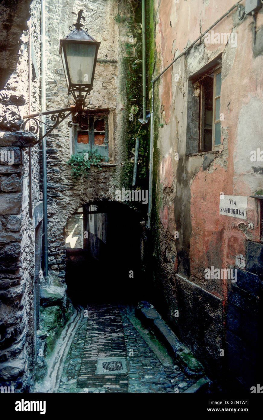 Stretti vicoli a Triora, Liguria Immagini Stock