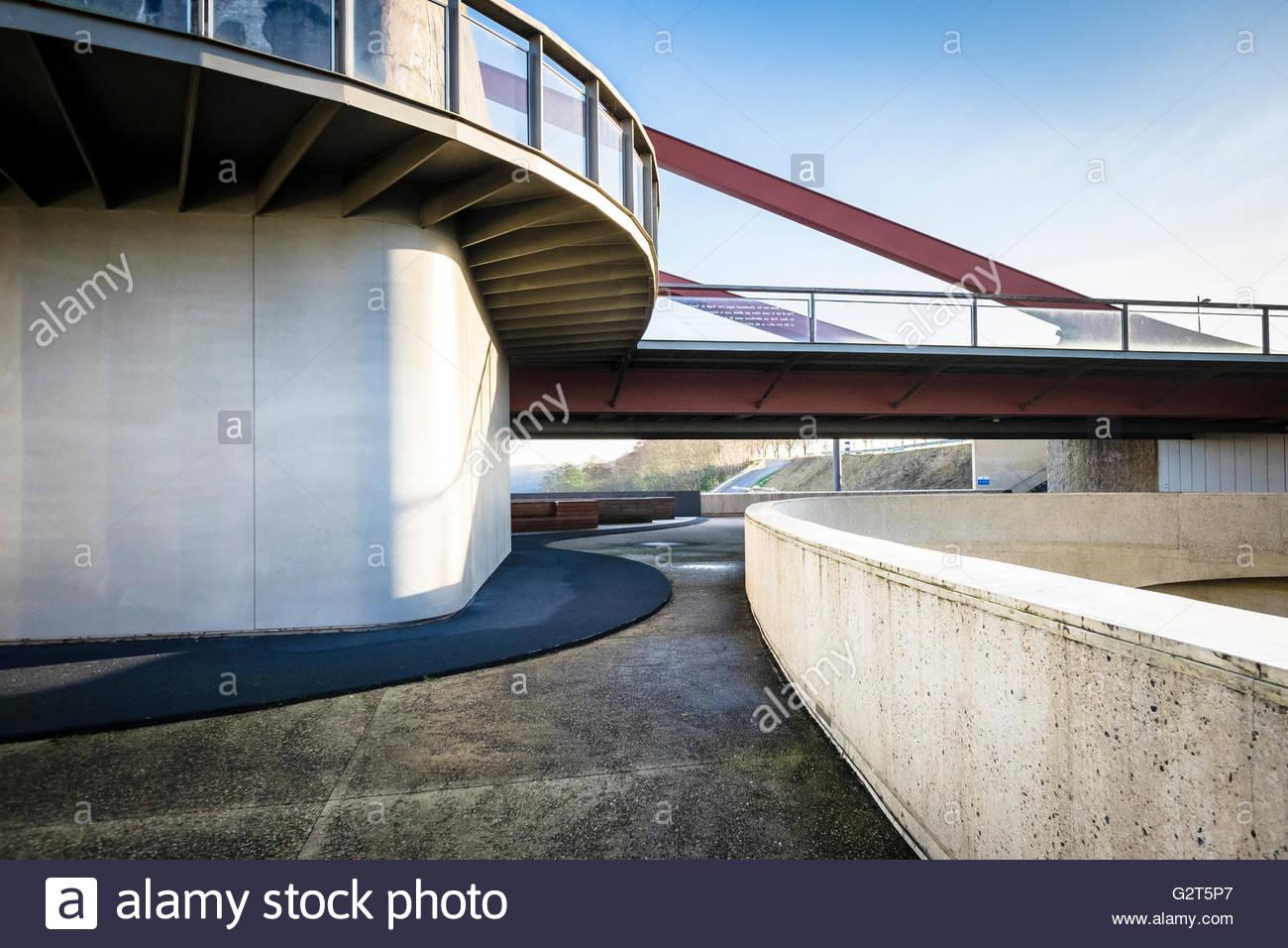 Architettura moderna, Brug van Vroenhoven, Reimst, Limburg, Vlaanderen (Fiandre), Belgio Immagini Stock