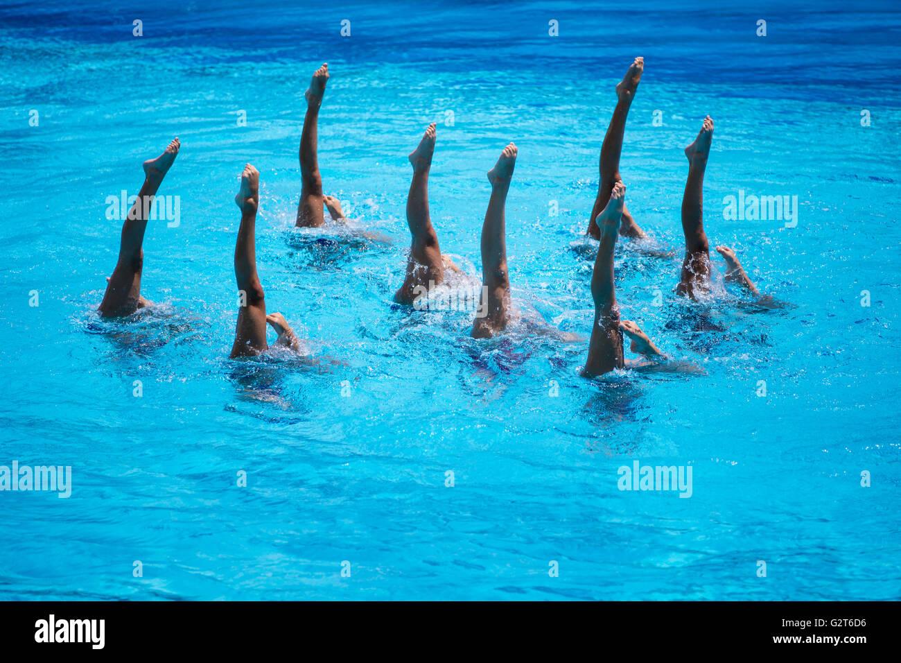 Donne Squadra Nazionale Di Nuoto Sincronizzato Effettuando