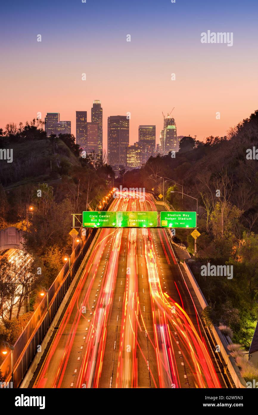 Los Angeles, California, Stati Uniti d'America skyline e autostrada. Immagini Stock