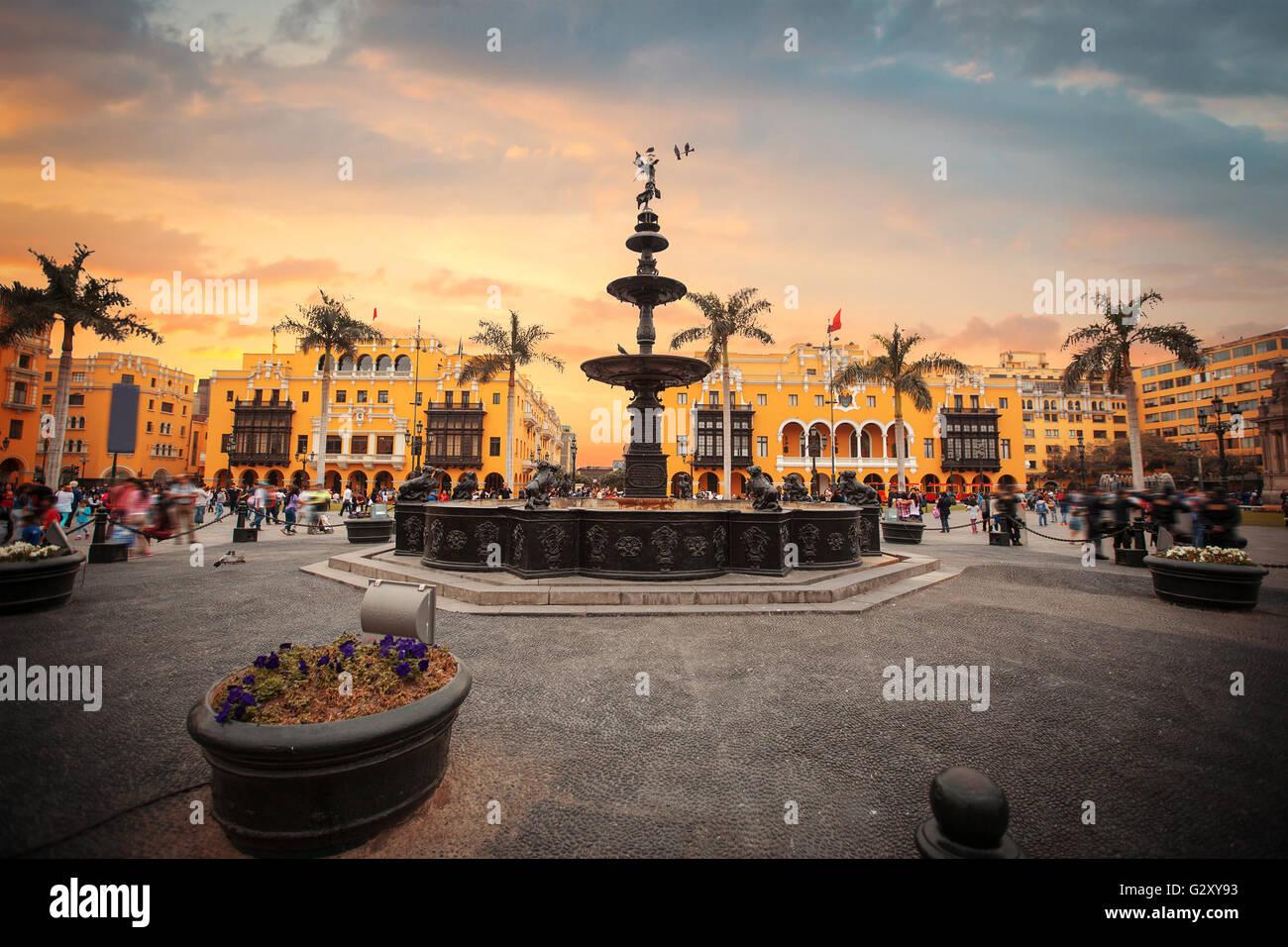 Vista panoramica di Lima principale piazza e chiesa cattedrale. Immagini Stock