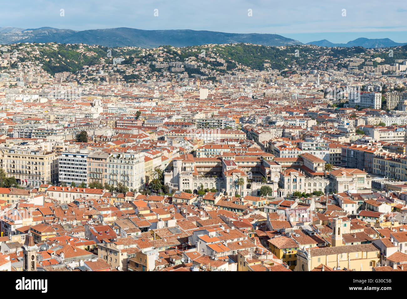 Paesaggio urbano vista sullo skyline della città di Nizza, Alpes Maritimes, Provenza, Cote d'Azur, Costa Immagini Stock
