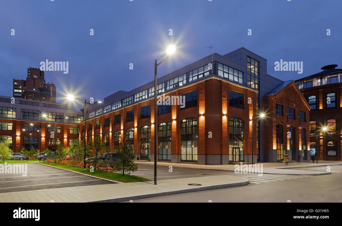 Edifici per uffici palazzi in mattoni rossi della ex fabbrica