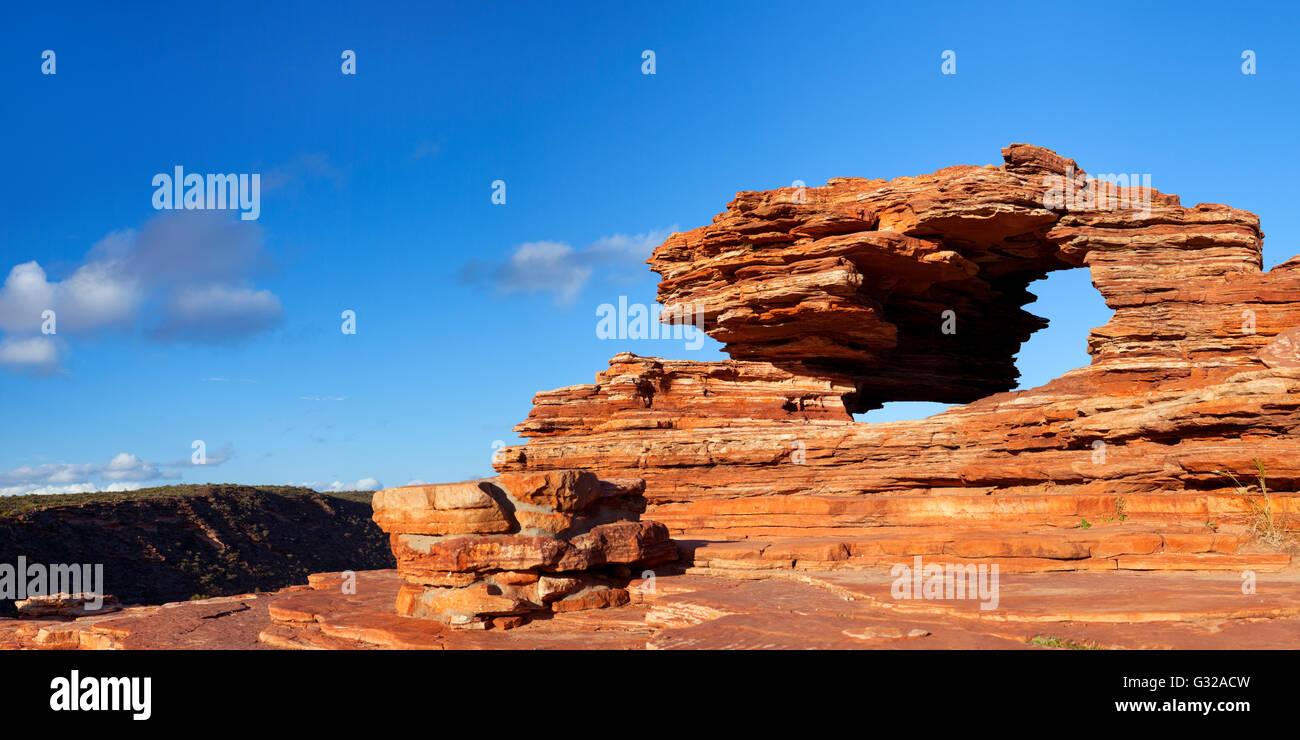 La natura della finestra, un arco naturale di roccia nella formazione di Kalbarri National Park, Australia occidentale. Immagini Stock