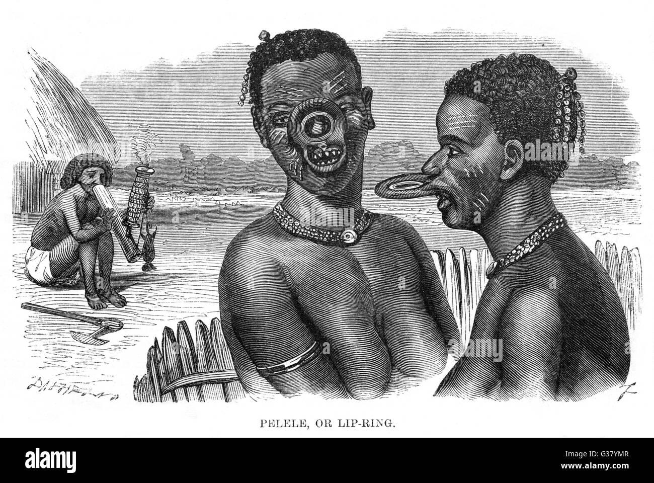 Labbro di anelli di due nativi africani le donne Immagini Stock