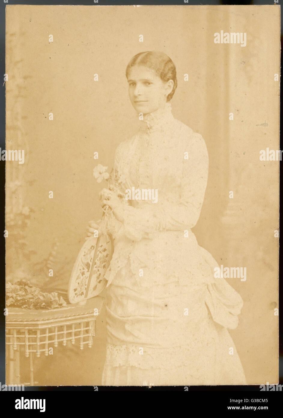 Giovane donna vittoriana, eventualmente un'attrice. Data: tardo XIX secolo Immagini Stock