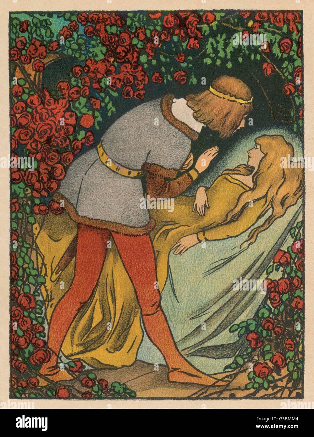 Il principe bacia la principessa, Sleeping Beauty e si risveglia. Immagini Stock