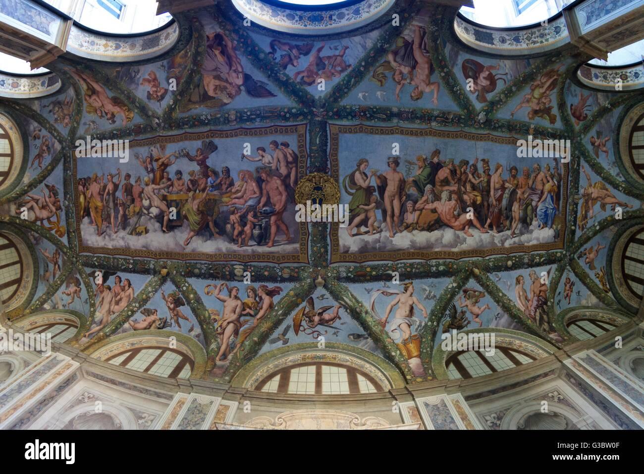 Affreschi sul soffitto, 1517-1518, loggia di Amore e Psiche, Villa Farnesina, Roma, Italia, Europa Immagini Stock