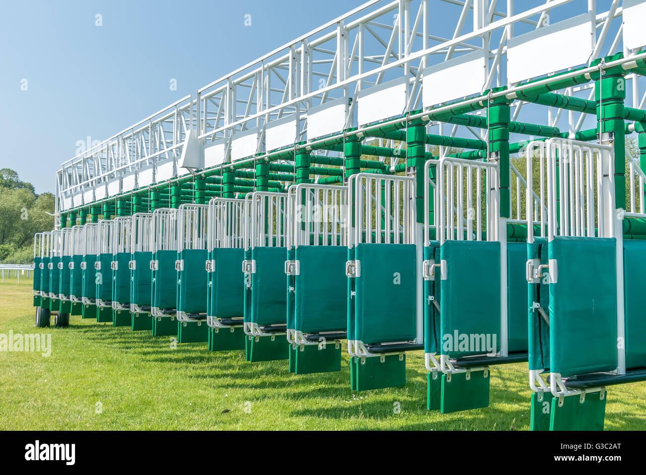 Horse Racing gate di partenza Immagini Stock