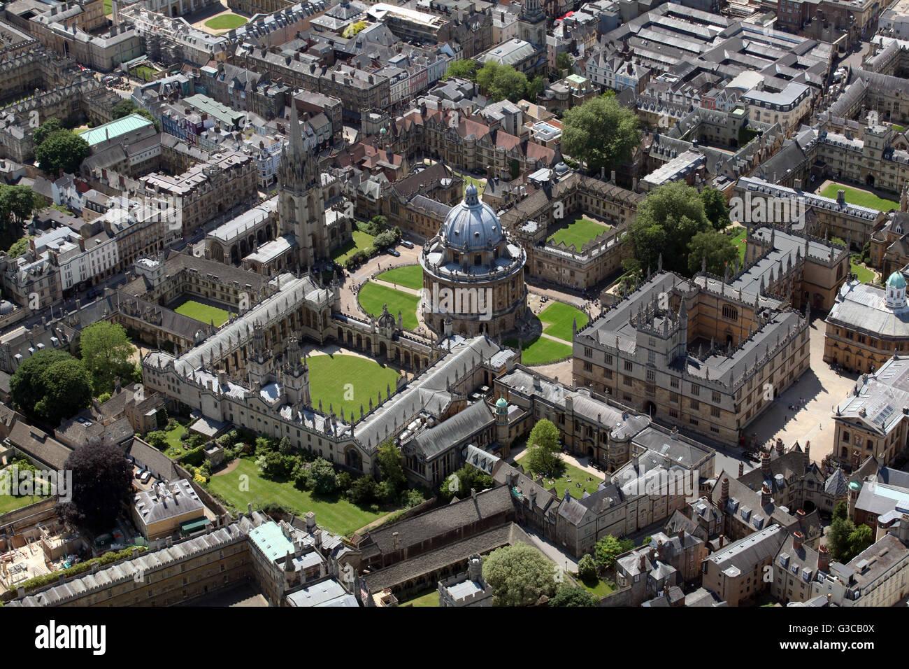 Vista aerea della biblioteca Bodleian & Codrington Library & Radcliffe Camera e tutte le anime College, Oxford University, Foto Stock