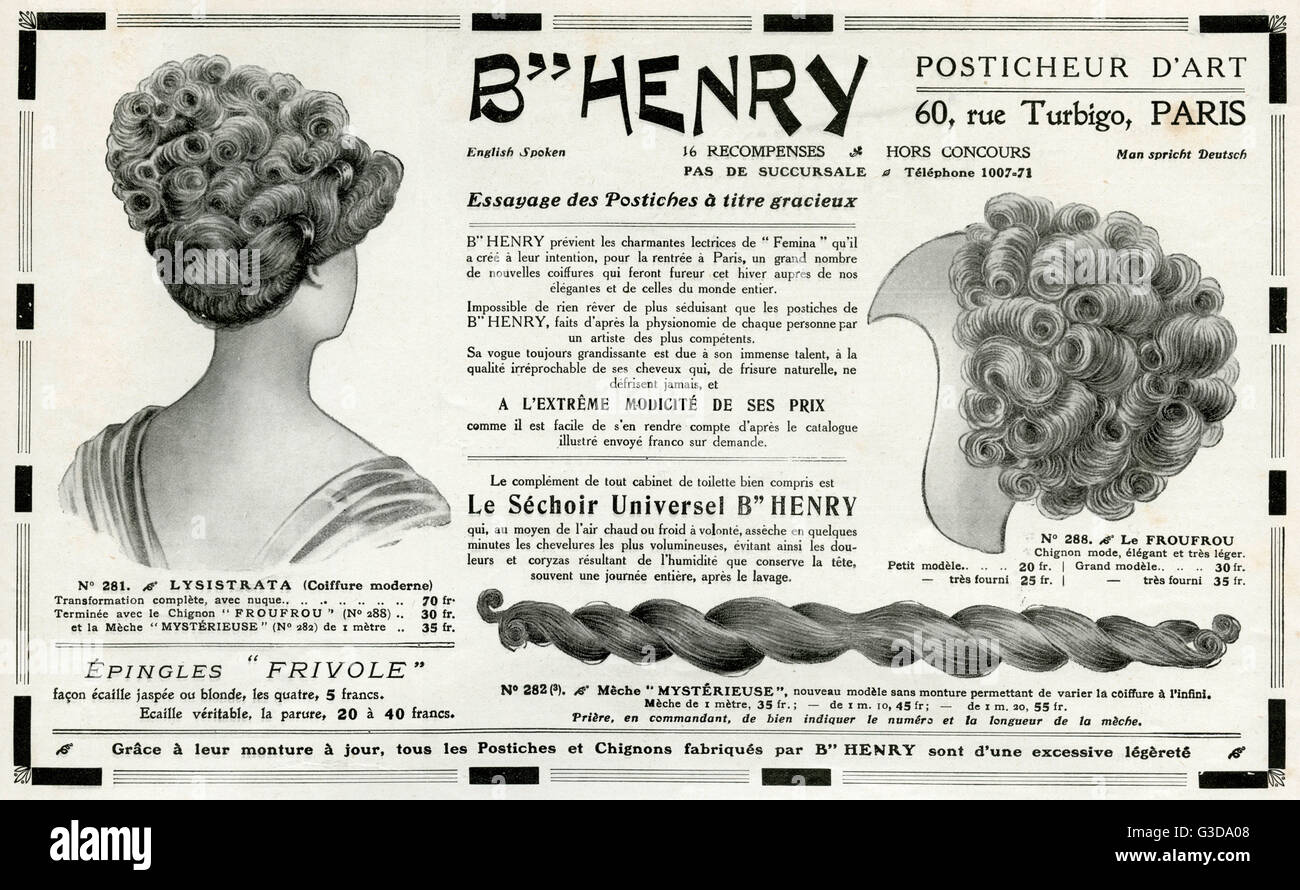 Fatto pre-wiglets, false bun riccioli ed intrecciate lunghe estensioni per essere incorporati nella donna acconciature. Immagini Stock