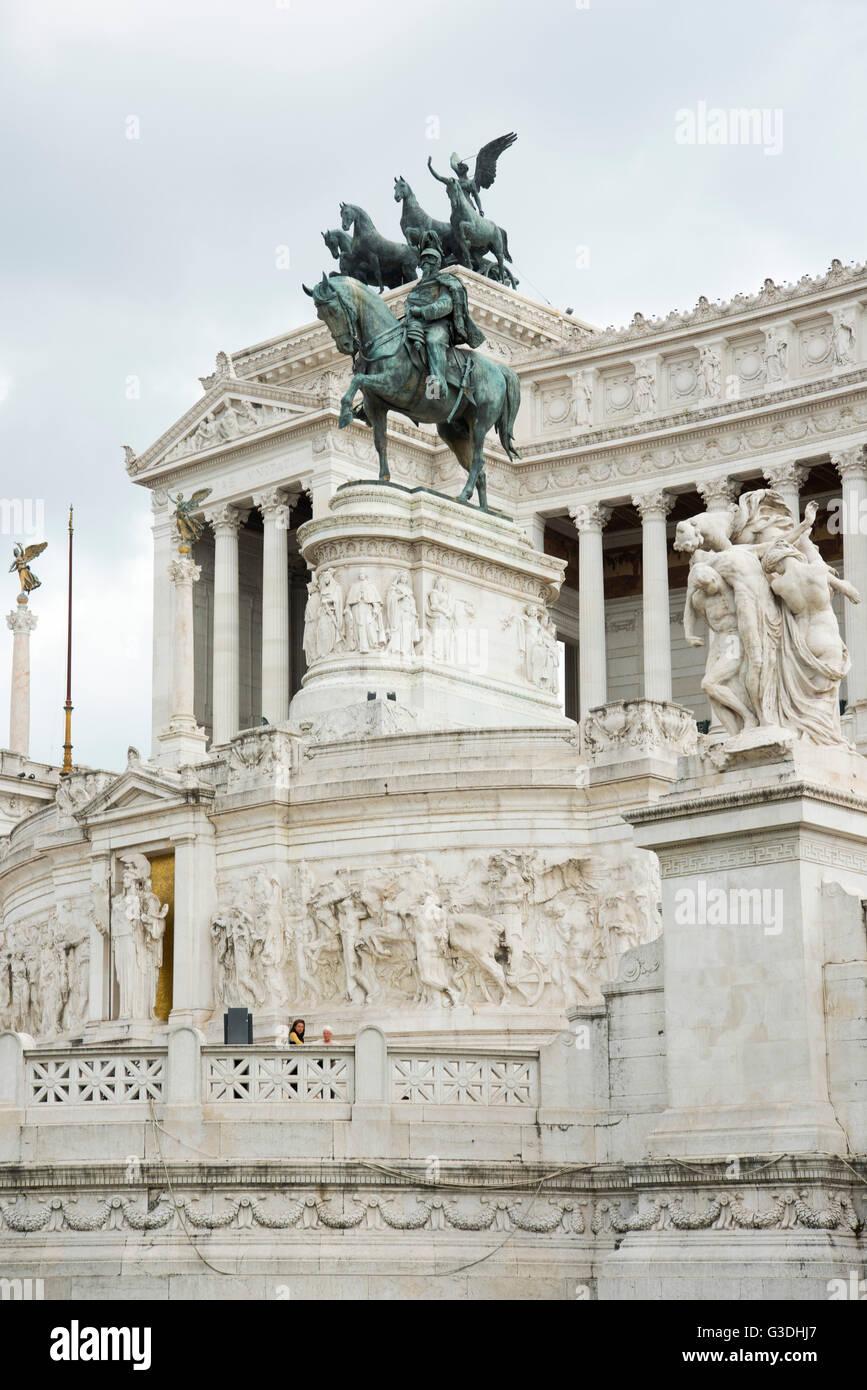 Italien, Rom, Monumento Nazionale a Vittorio Emanuele II (Vittoriano), im Volksmund auch als Schreibmaschine bezeichnet. Immagini Stock