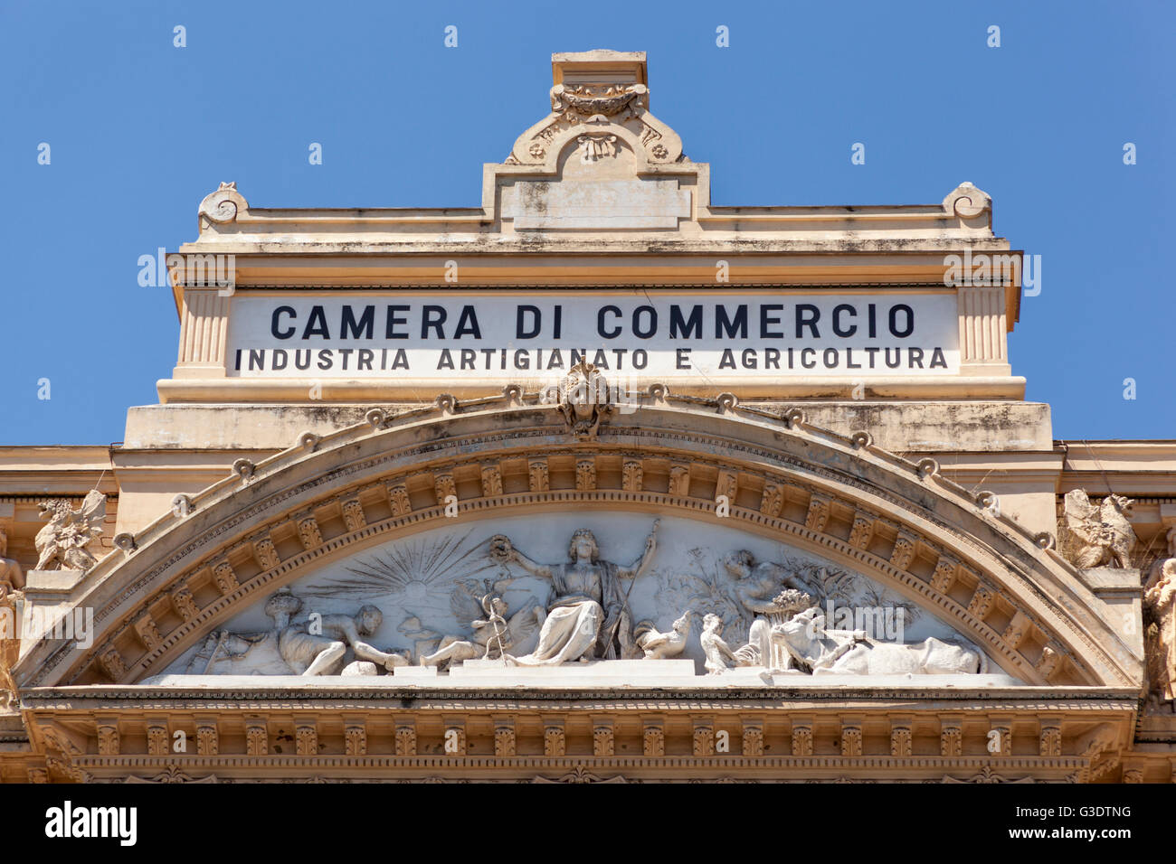 Camera di commercio industria artigianato e agricoltura for Artigianato italia
