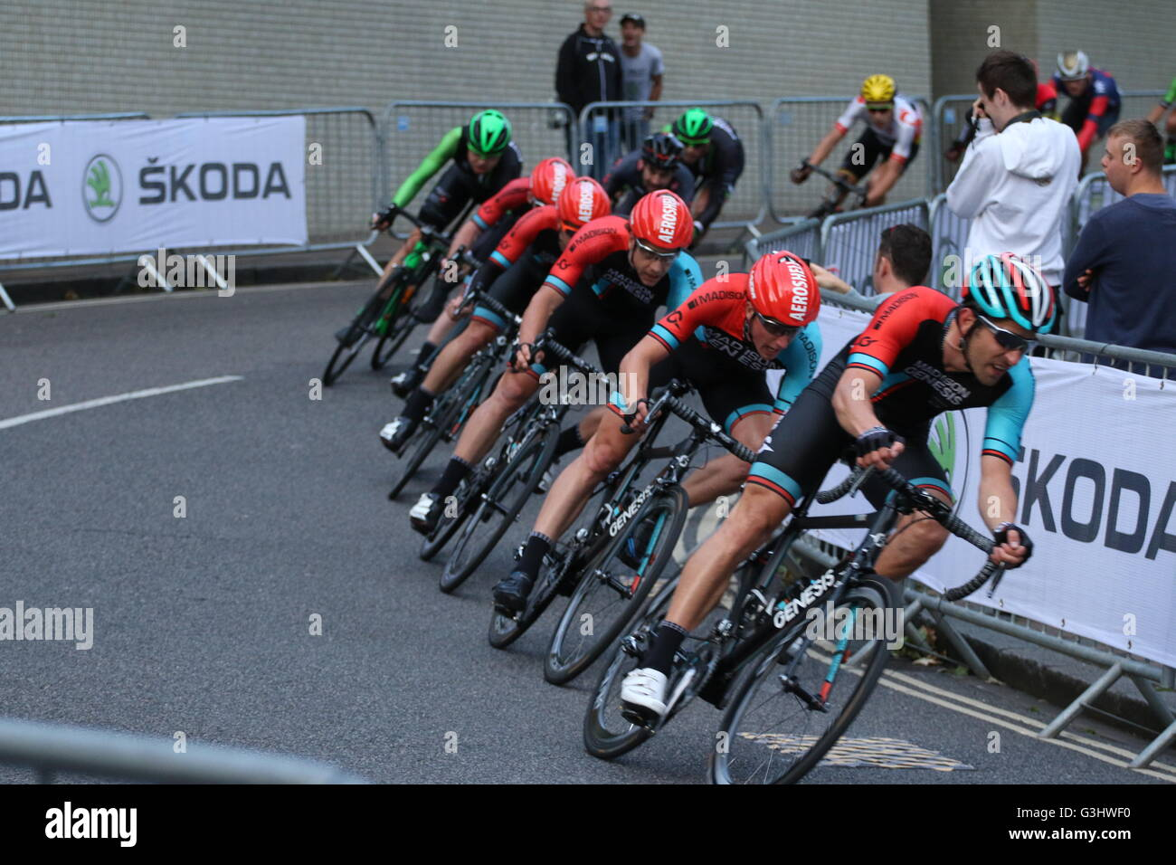 Cycling Team Madison Genesi competere in Portsmouth serie Tour 2016 Criterium ciclo Immagini Stock