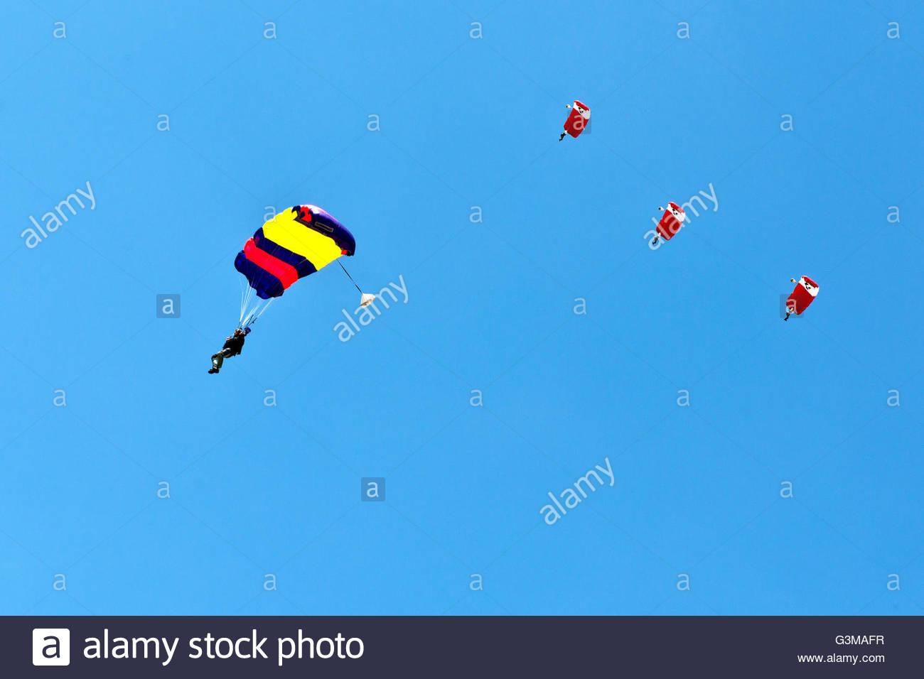 Parachute,airshow di cielo aperto,Locarno, Svizzera Immagini Stock