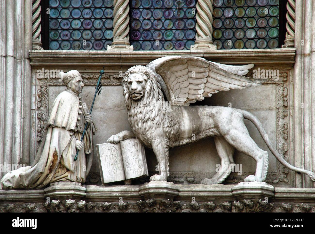 Venezia italia palazzo ducale dettaglio il doge for Il tuo account e stato attaccato
