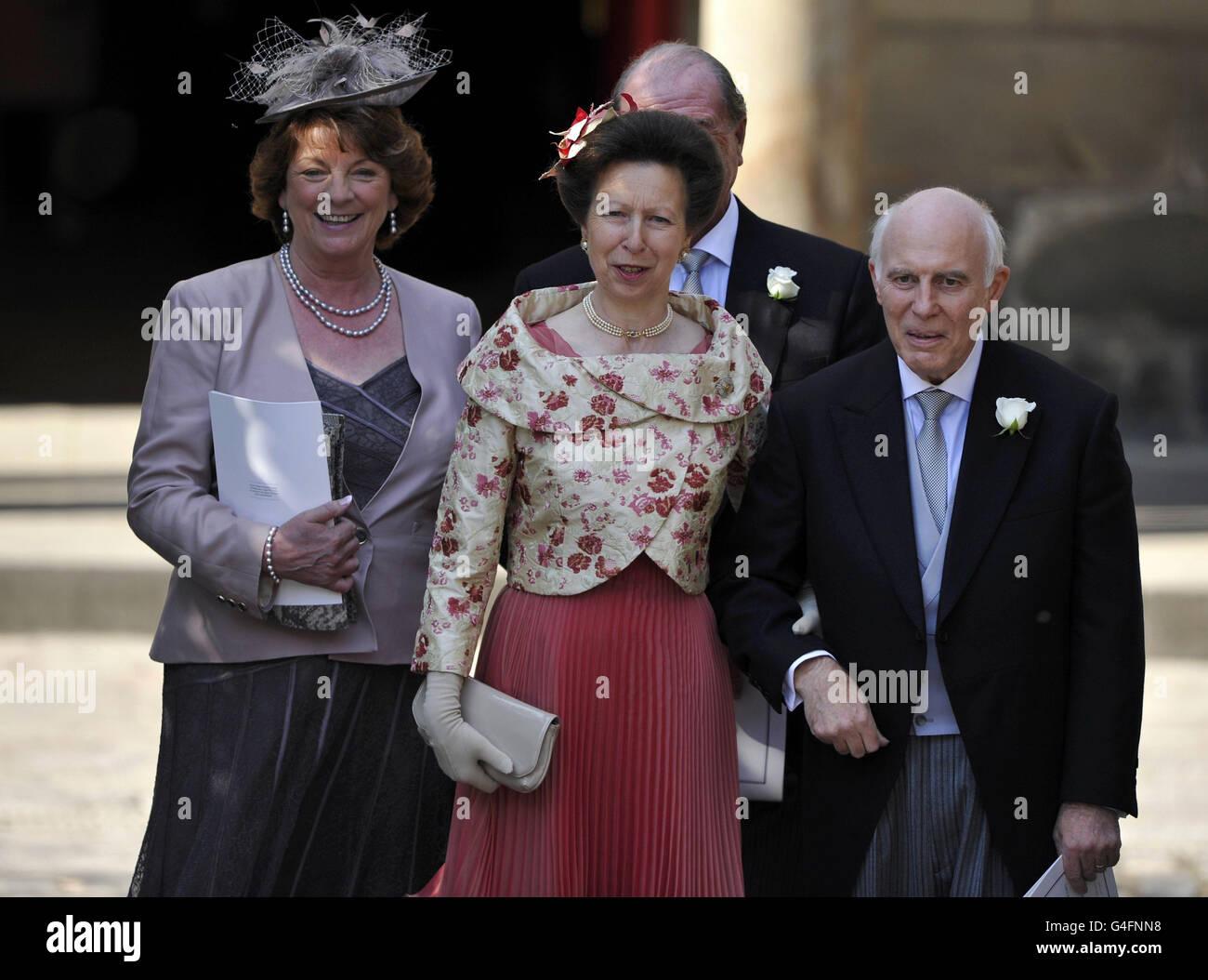 Matrimonio Zara Phillips : Zara phillips e mike tindall matrimonio foto immagine