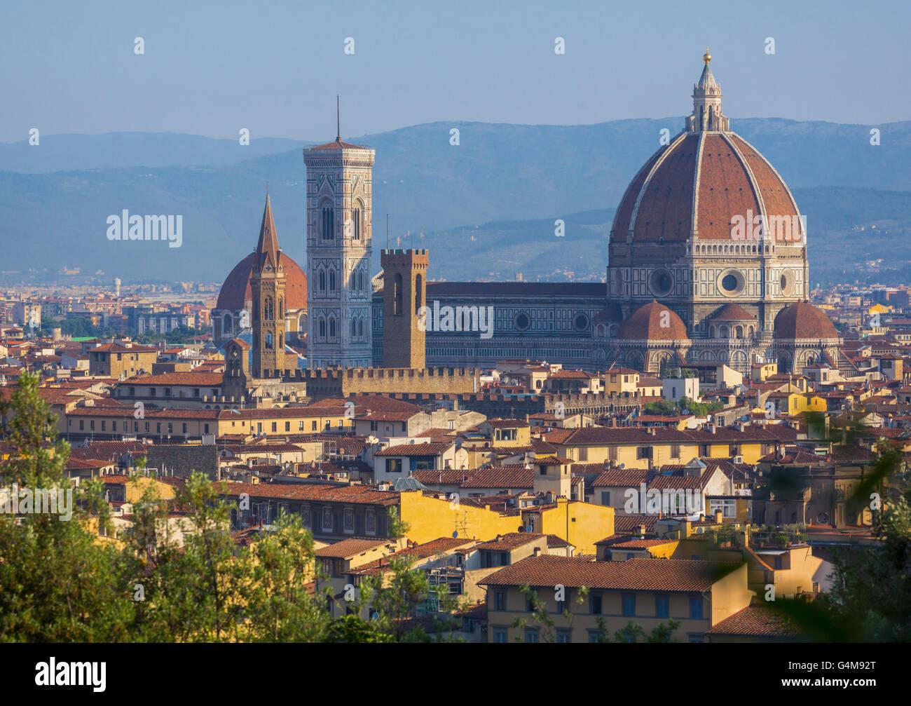 Firenze, Toscana, Italia. Vista sulla città al Duomo - Cattedrale di Santa Maria del Fiore e il Campanile dalla Immagini Stock
